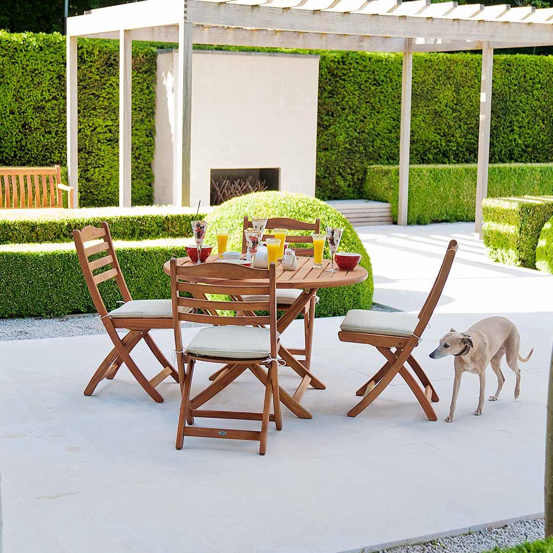 holz gartentisch alexander rose cornis klapptisch 140cm holztisch vom garten fachh ndler. Black Bedroom Furniture Sets. Home Design Ideas