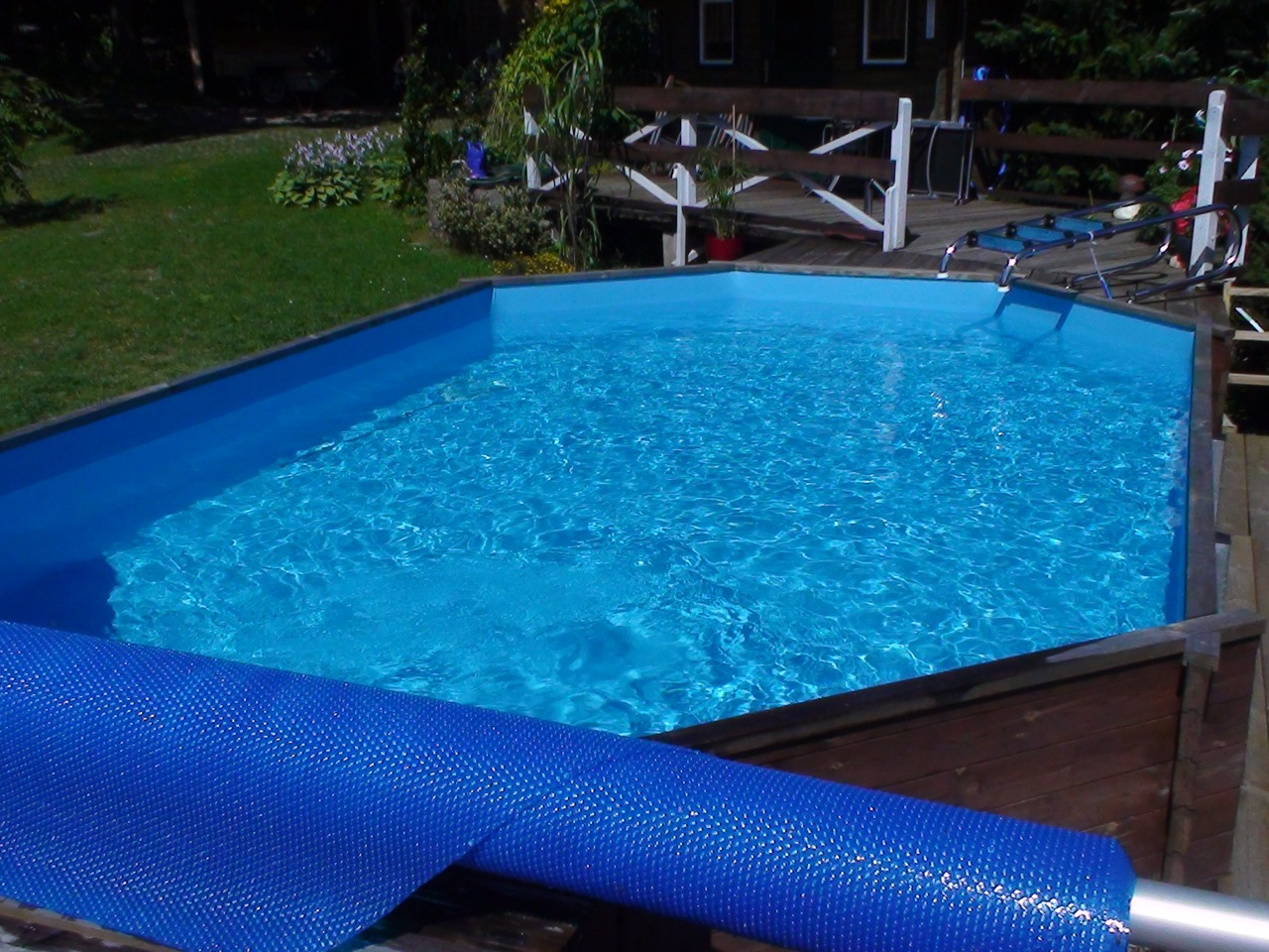 swimmingpool holzpool swimmingpool holzpool pool im garten. Black Bedroom Furniture Sets. Home Design Ideas