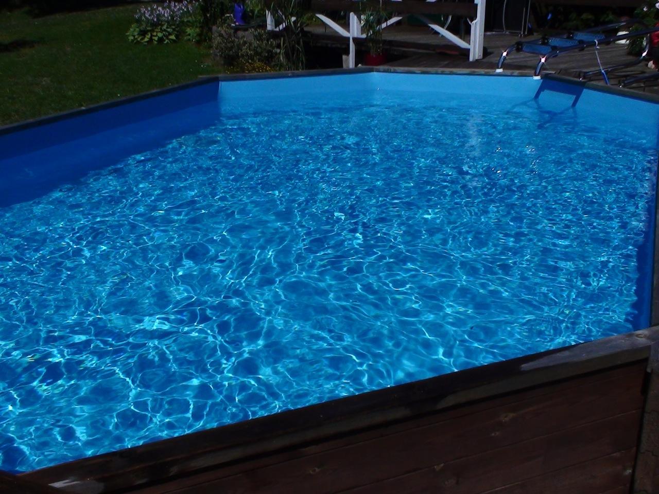 Bestway swimmingpool holzpool stahlwandbecken bis 20 for Garten pool stahlwandbecken