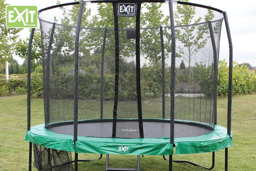 trampolin im garten f rdert kinderbewegung und. Black Bedroom Furniture Sets. Home Design Ideas