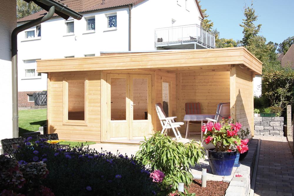 Gartenhaus Flachdach «550x299cm mit Terrasse 250 cm Fünf-Eck Holzhaus  Bausatz | vom Garten-Fachhändler