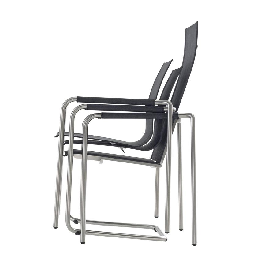 ... Stapelbar   Durch Seine Optimale Form Ist Der Stuhl Stapelbar, Das  Ermöglicht Das Platzsparende Verstauen In Den Kalten Wintermonaten.
