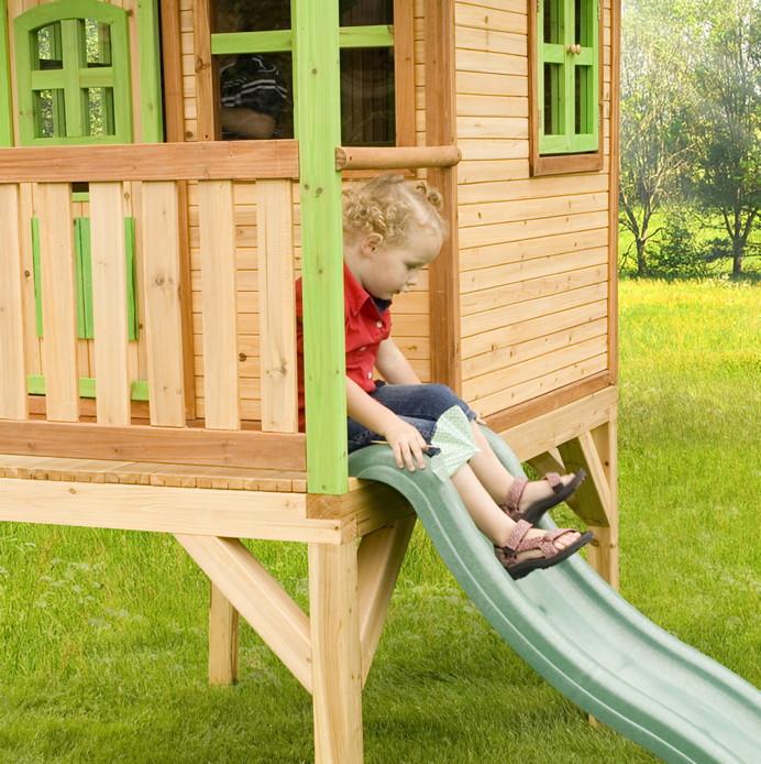kinder spielhaus axi laura holz kinder holzhaus stelzen rutsche kinderspielger te f r den garten. Black Bedroom Furniture Sets. Home Design Ideas