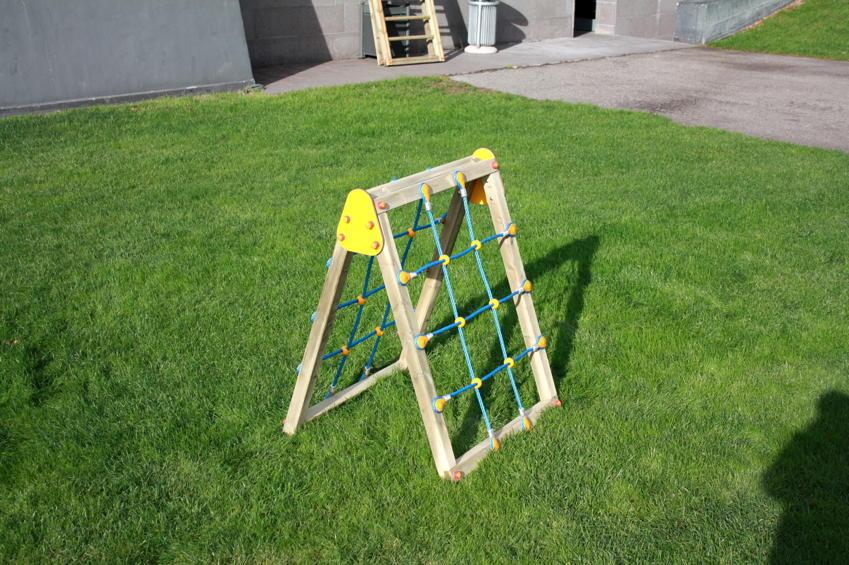 Kinder Klettergerüst Holz : Klettergerüst din en 1176 «netz kletterwand 2 seitig» holz