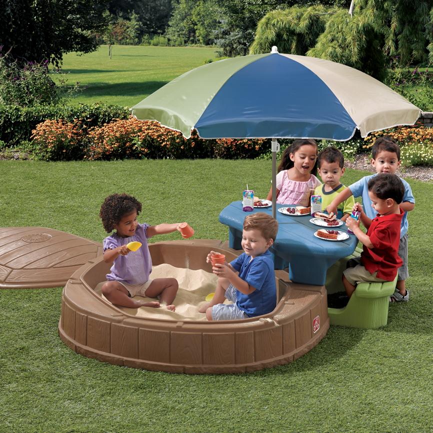 sandkasten step 2 play store sandkiste mit deckel sitzecke vom spielger te fachh ndler. Black Bedroom Furniture Sets. Home Design Ideas