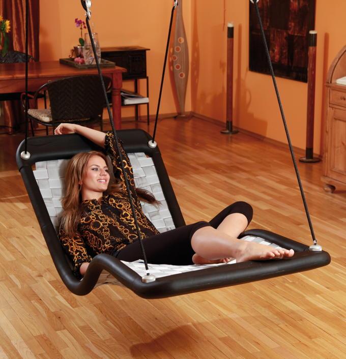 schaukel und rutschen im garten kinder lieben schaukeln. Black Bedroom Furniture Sets. Home Design Ideas