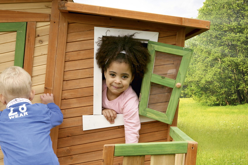 holz kinderspielhaus comicstil gartenspiel geschlossen. Black Bedroom Furniture Sets. Home Design Ideas