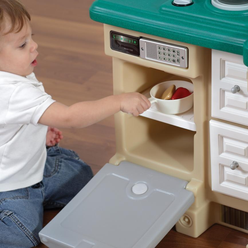 kinderk che step 2 deluxe kitchen kunststoff k che. Black Bedroom Furniture Sets. Home Design Ideas