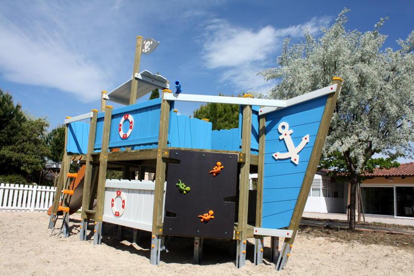 Klettergerüst Piratenschiff : Kinder spielplatz din en «kaluba piratenschiff kletterberüst