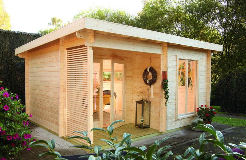 gartenhaus laura 44 mit kleiner terrasse flachdach holzhaus. Black Bedroom Furniture Sets. Home Design Ideas