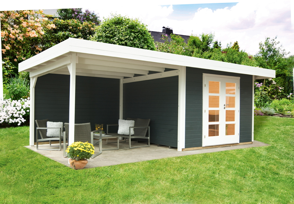 gartenhaus-relaxhaus-590x241-flachdach-holzhaus-mit-seitlichem-terrassenanbau-mit-schleppdach-r