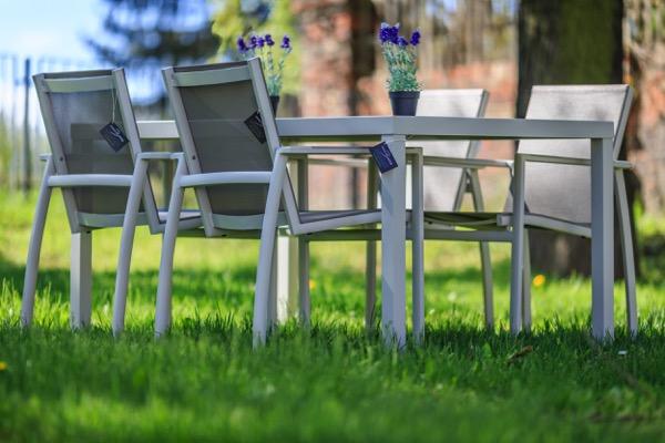 sitzgruppe henrik bosse davos 1x aluminium esstisch und 4x st hle vom garten fachh ndler. Black Bedroom Furniture Sets. Home Design Ideas