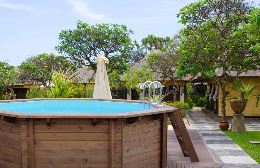 Holzpool garten schwimmbecken aus holz aufstell for Gartenpool 3m