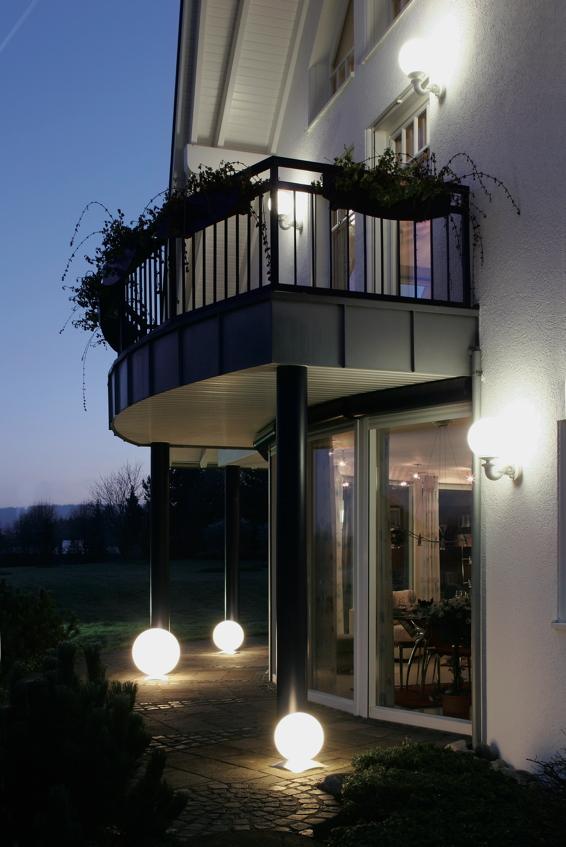 gartenlampe aussenlampe snowball edelstahlfuss runde leuchte gartenm bel fachhandel. Black Bedroom Furniture Sets. Home Design Ideas