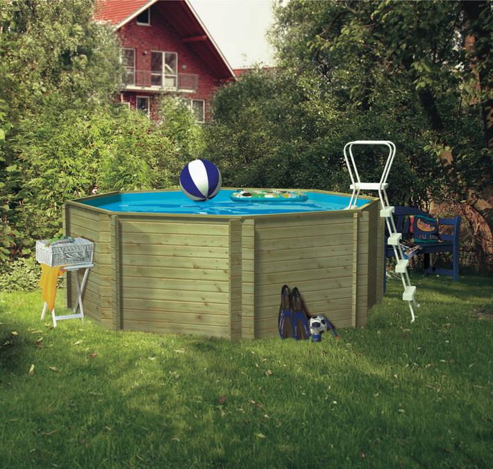 Swimmingpool holzpool pool im garten for Schwimmbecken garten
