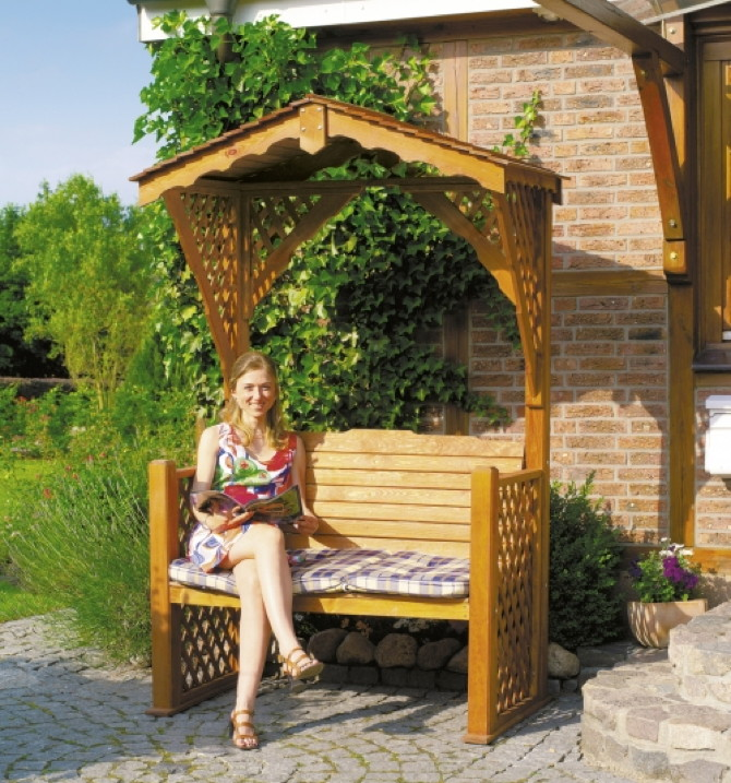 gartenbank romantik holzbank f r 2 mit dach pergola rankgitter alpenfeeling vom garten fachh ndler. Black Bedroom Furniture Sets. Home Design Ideas